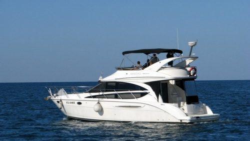 Моторная яхта Лагуна 2