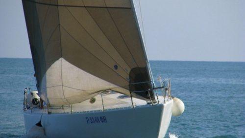 Парусно-моторная яхта 1