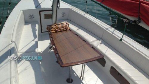 Парусно-моторная яхта 4