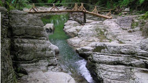 Агурские водопады и скала Прометея 5