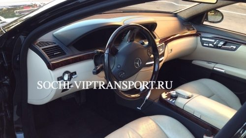 Mercedes-Benz 221 5