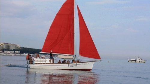 Парусно-моторная яхта 6